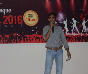 Solo singing performance @SCL