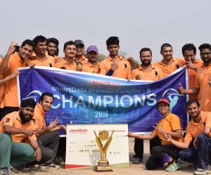 sD Giants – The winning team (was awarded a cheque of Rs. 35000/- along with the SPL winning trophy)